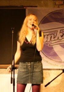 Meine Musik mit Funkoustic: Sängerin Bine Trinker live im Stemmerhof München